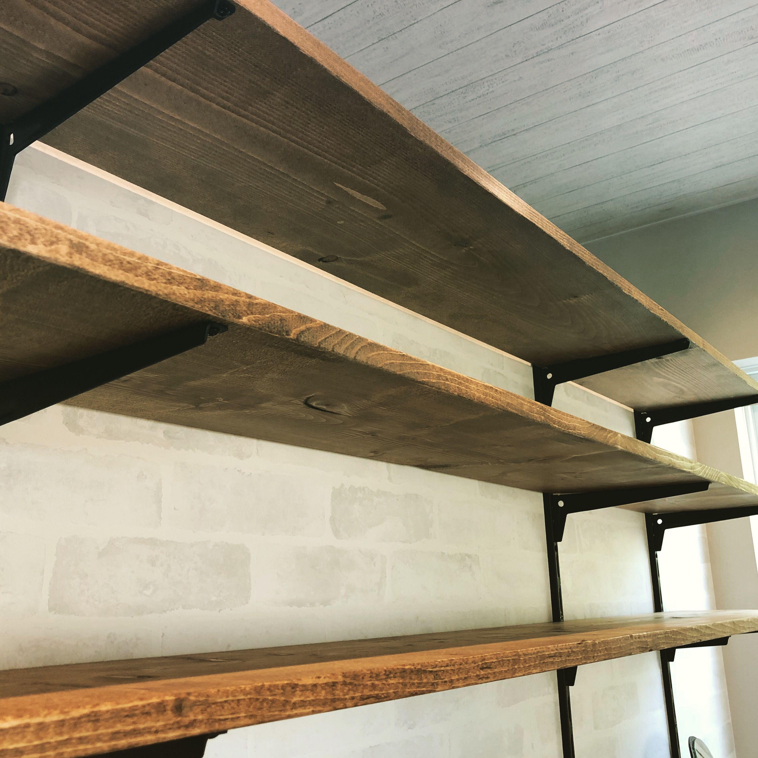 可動棚diy 棚柱レールと棚受けを設置する方法をご紹介 棚