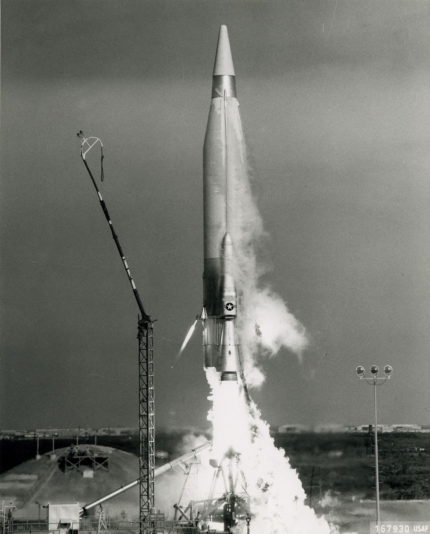 An early Atlas ICBM being launched c.1952(이미지 포함)