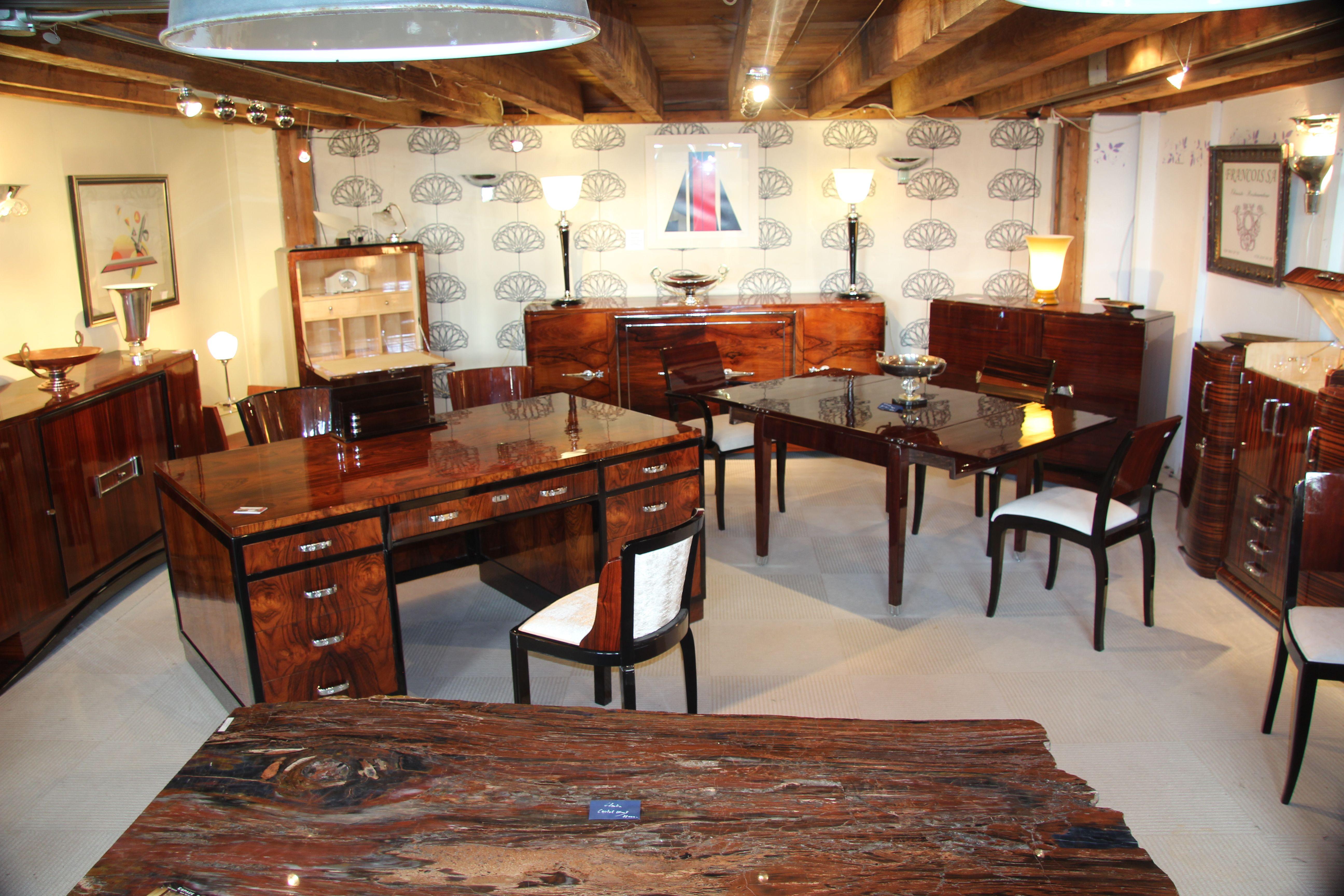 Table A Manger Sideboard Bar Lampe Art Deco Bureau A Caisson 4 Faces Chaises Art Deco Pour Un Mobilier D Exception Espace D Chaise Art Deco Meubles Art