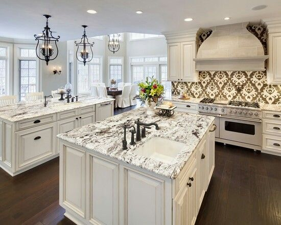 Beautiful White Kitchen Cabinets And Perfect Countertop I Love How The Black Li Antique White Kitchen Antique White Kitchen Cabinets White Granite Countertops