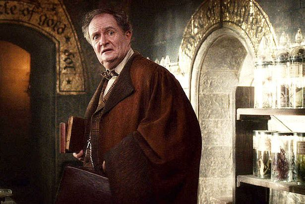 Harry Potter S Jim Broadbent Reveals Details On His Game Of Thrones Character Ign Girl Humor Harry Potter Maynard Ferguson