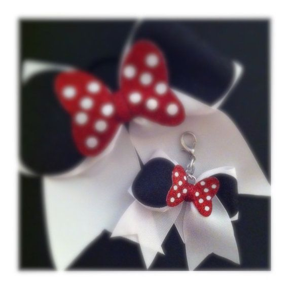 Minnie Mouse Cheer Bow Keychain by BowsByTeri on Etsy  0f11dafeb5d8