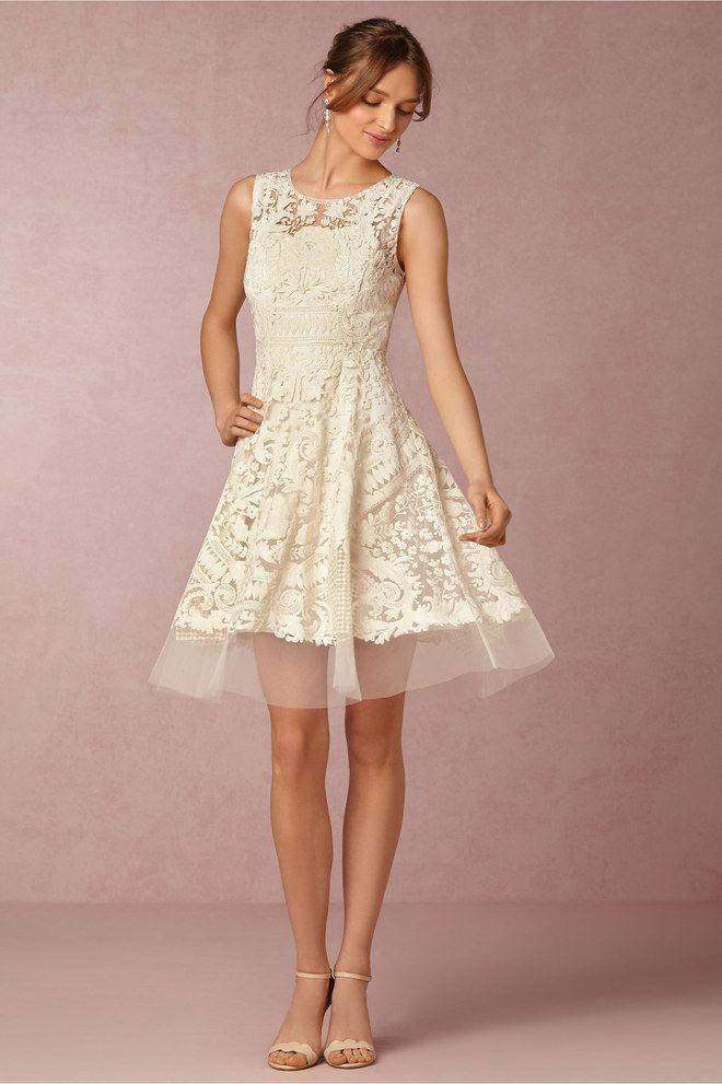 6b8f41c1abd6d2 Welches Kleid fürs Standesamt? Die 30 schönsten Brautkleider für jeden Stil