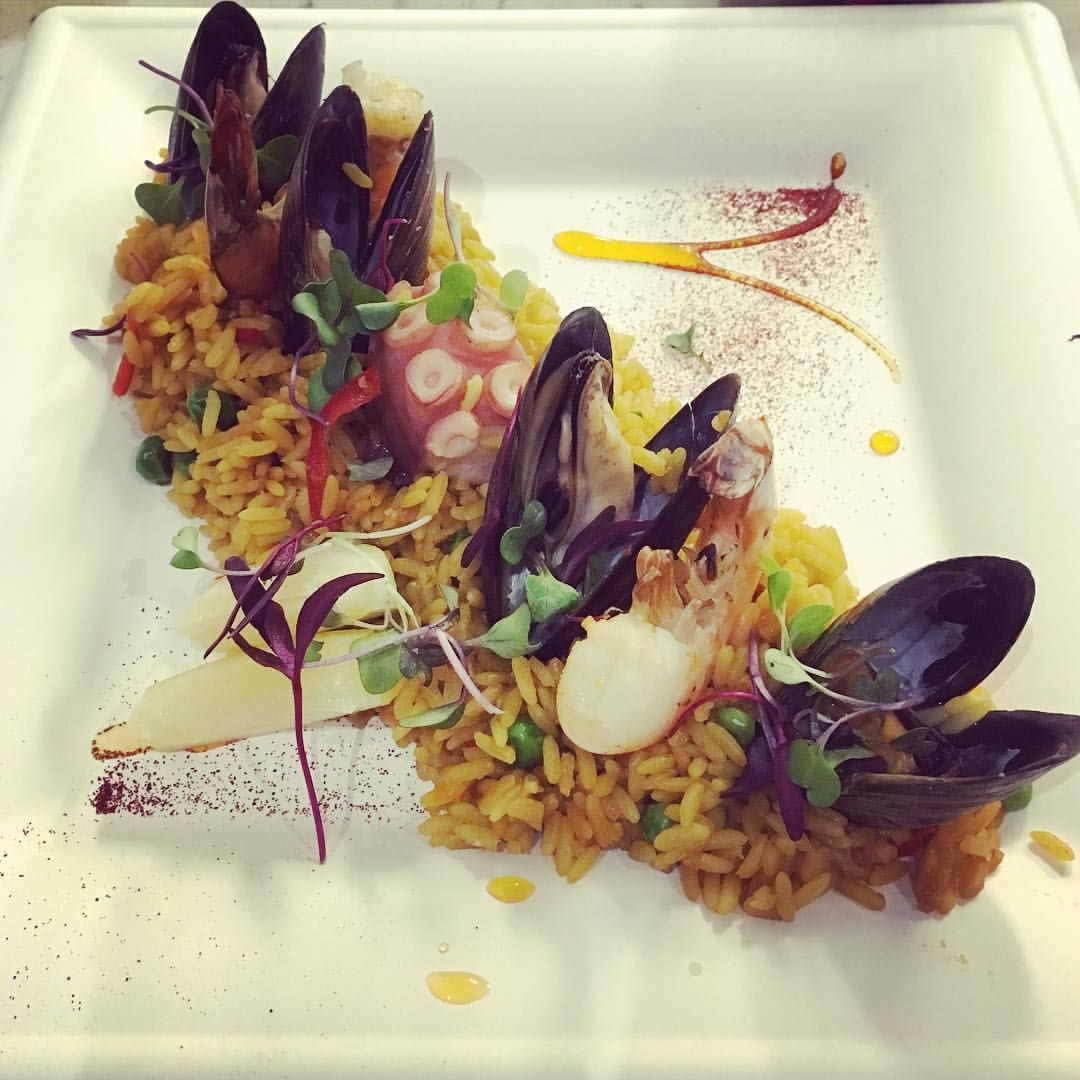 """@mydenverdelights on Instagram: """"Friday night fun at @avantifandb amazing paella from @bixobites and delicious red wine to wash it down. Bring on the mountains tomorrow! Follow me for more delightful places #fridaynight #denver #colorado #5280eats #5280 #glutenfree #paella #seafood #avanti #snow #love #delightful #mydenverdelights #foodporn #foodie #tgif #instafood"""""""