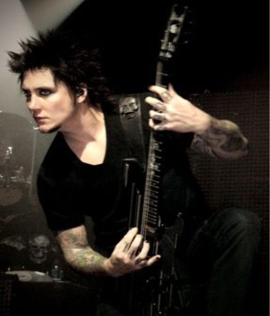 synyster gates a7x hd wallpaper 2012 my heart avenged sevenfold