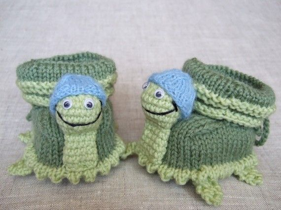 Hand knit turtle baby booties | Baby Items | Pinterest ...