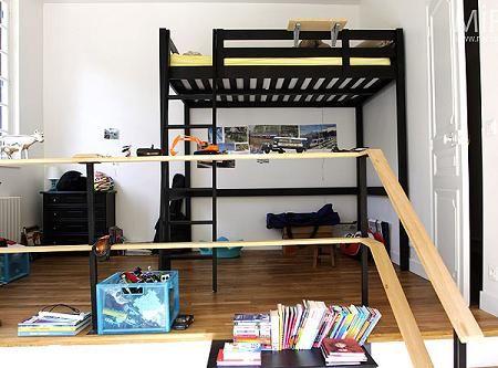 Habitaci n juvenil con cama alta ideas para el for Habitacion juvenil cama alta