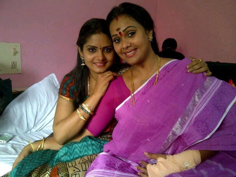 Rekha Ratheesh And Gayathri Arun Unsee Photo Parasparam Actress