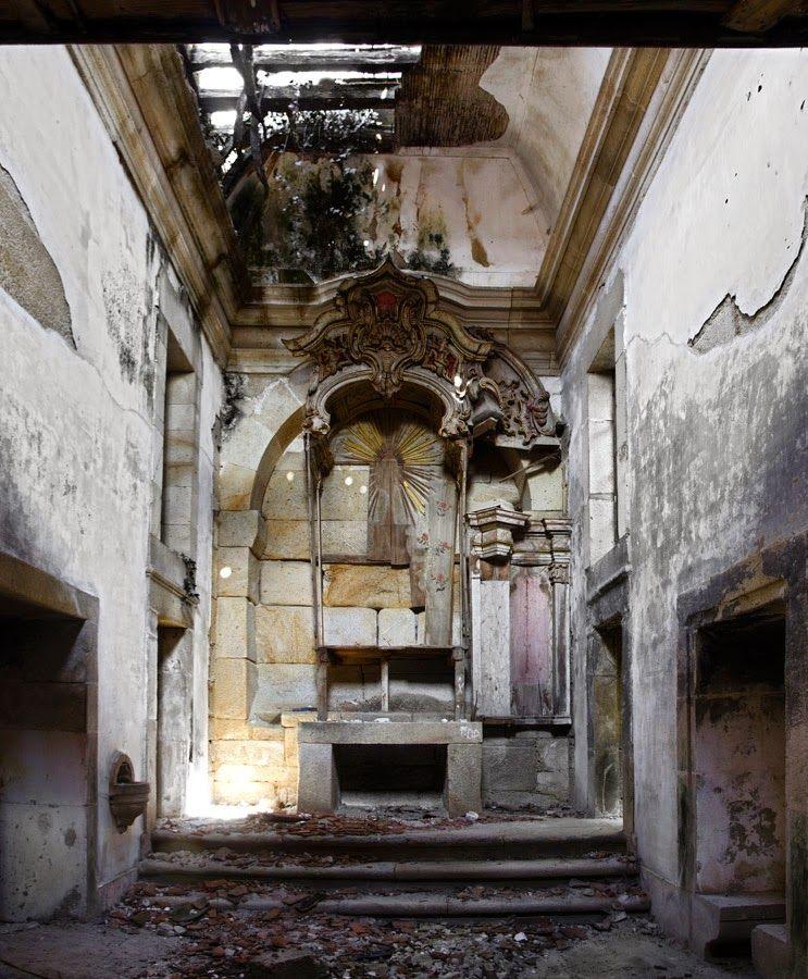 The Ruins Of The Montalvão Family Summer Home, Outeiro