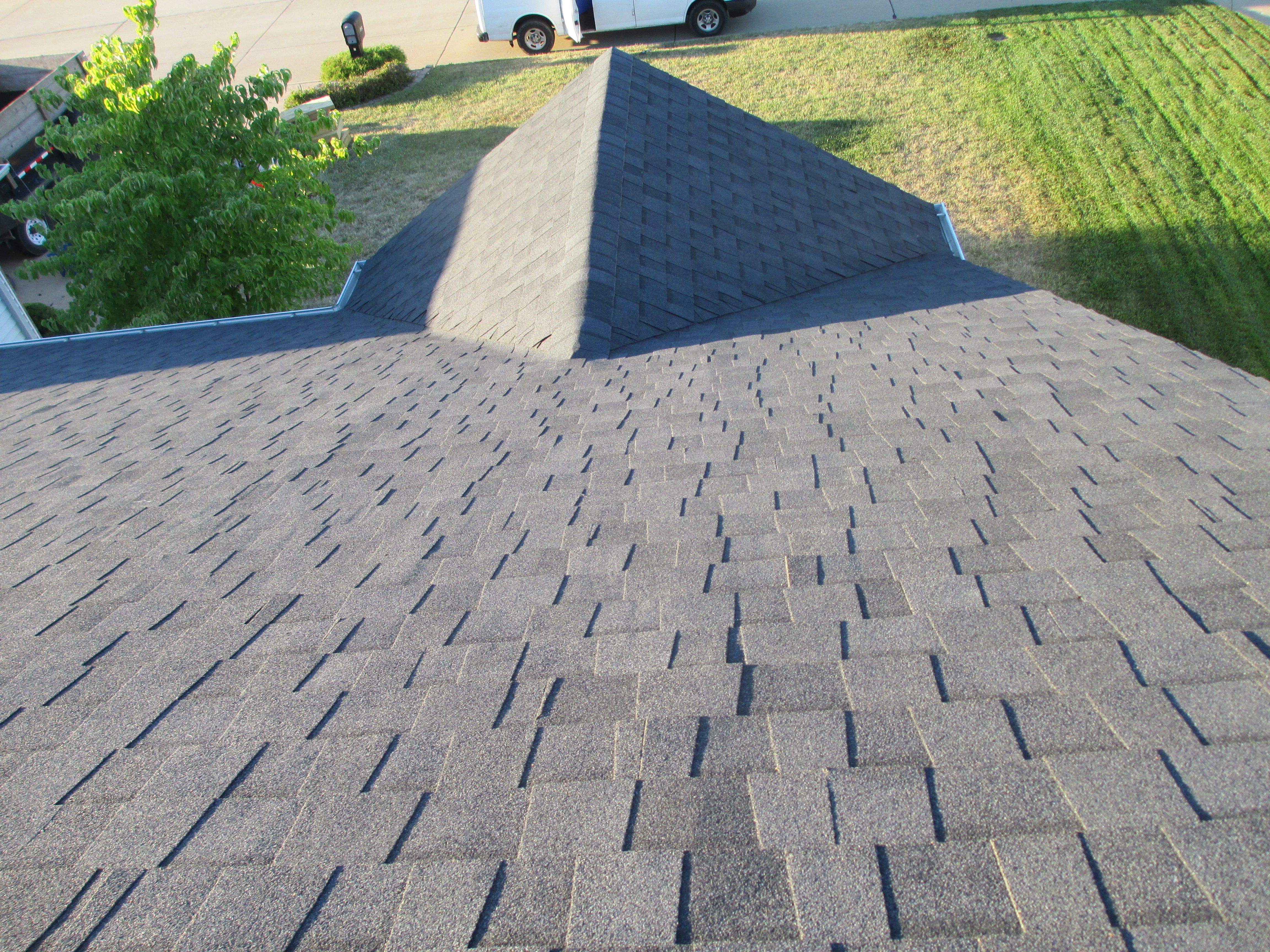 Best Shingle Installation St Louis Wood Shingles Roof 400 x 300