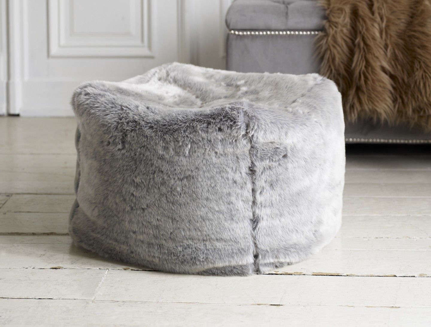 A Truly Elegant Pouf In Soft Silvery Grey Faux Fur With Dense And Medium