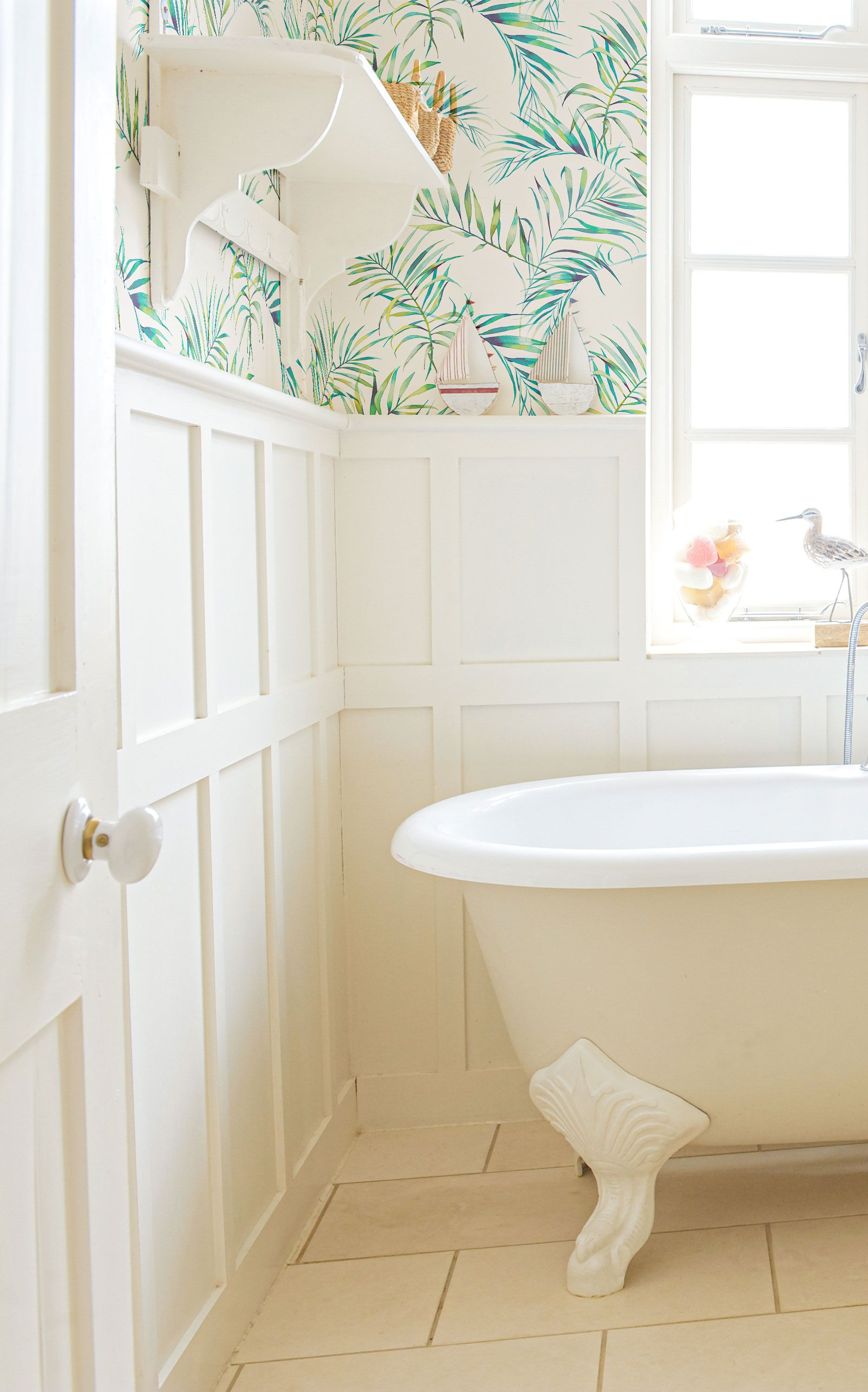 Green Botanical Floral Peel And Stick Removable Wallpaper 0670 Country Bathroom Decor Removable Wallpaper Decor Magazine