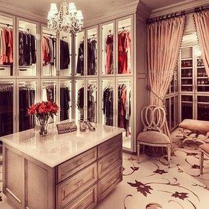 Love This Walk In Closet