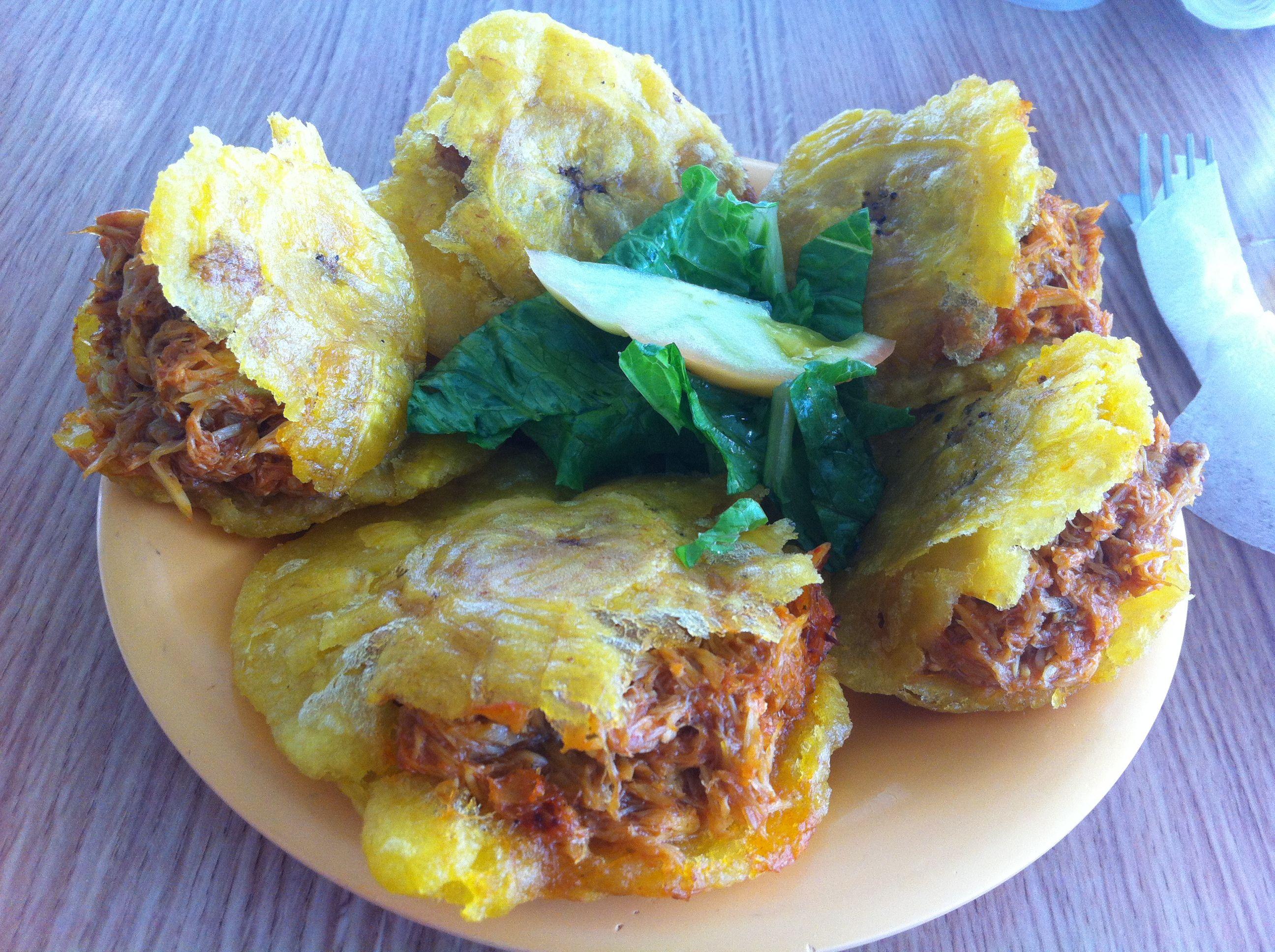 Tostones rellenos de salmorejo de jueyes!! Delicioso!! :-D Salinas, Puerto  Rico | Puerto rican cuisine, Caribbean recipes, Puerto rico food