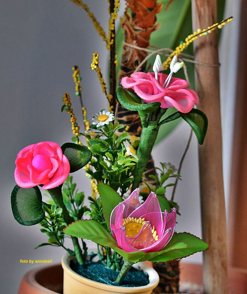 Zsenilia drótból harisnya virág  076c747904
