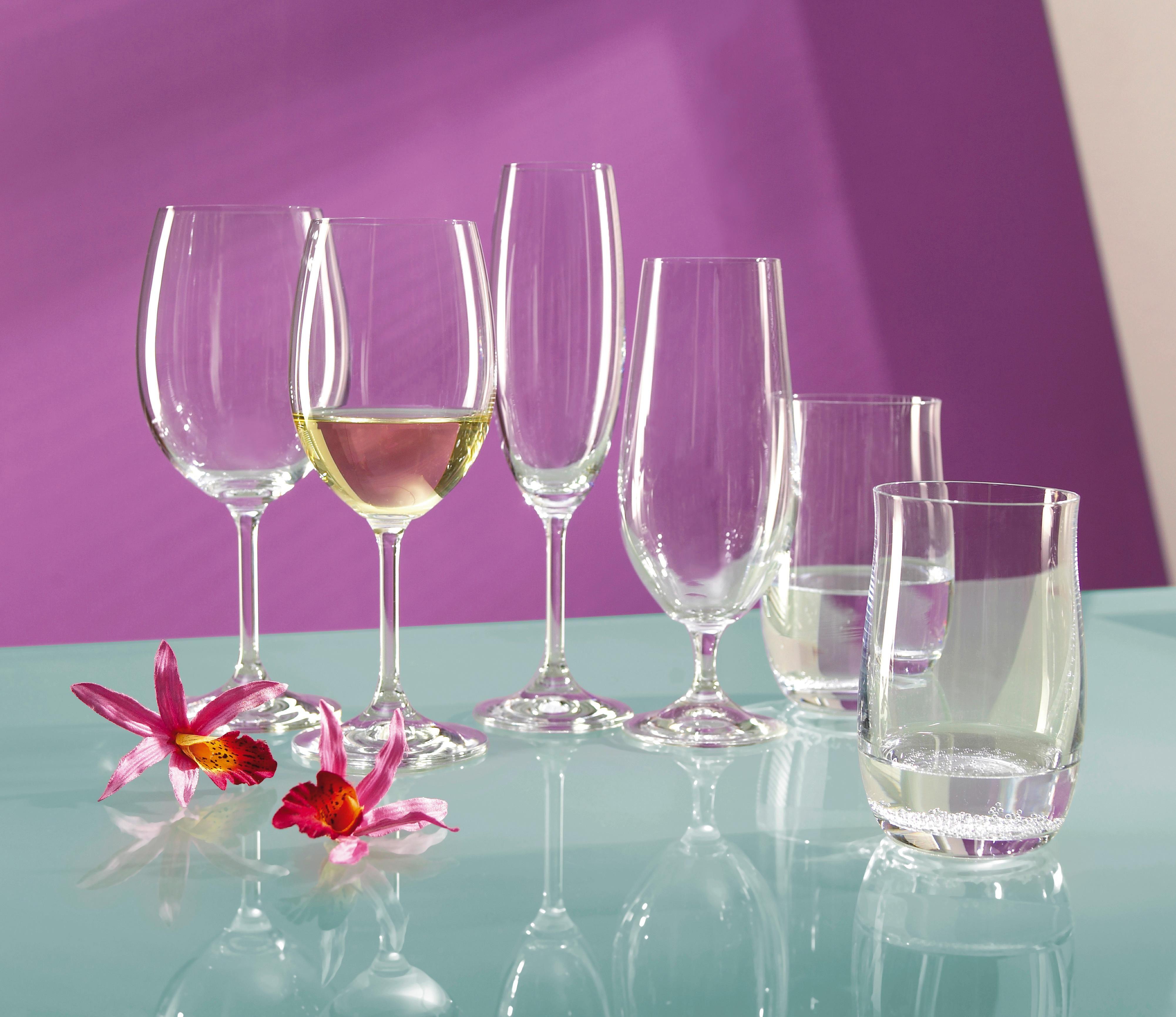 Die perfekten Trinkgläser für eure Gäste: Serviert leckere Fruchtsäfte, frisches Mineralwasser oder eisgekühlte Lemonade in diesen Gläsern und sorgt so für reichlich Erfrischung bei der nächsten Party. Das ideale Trinkglas für Festivitäten!