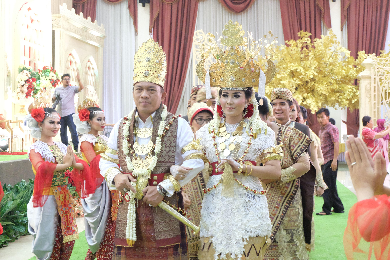 Gambar Pakaian Adat Lampung Pepadun