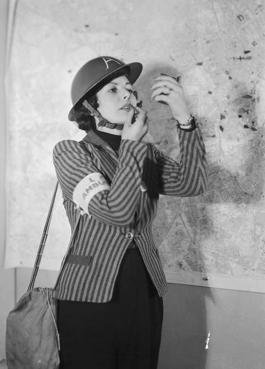 Fashion Flashback Wwii Women S Fashion: Fashion On The Ration: 1940s Street Style