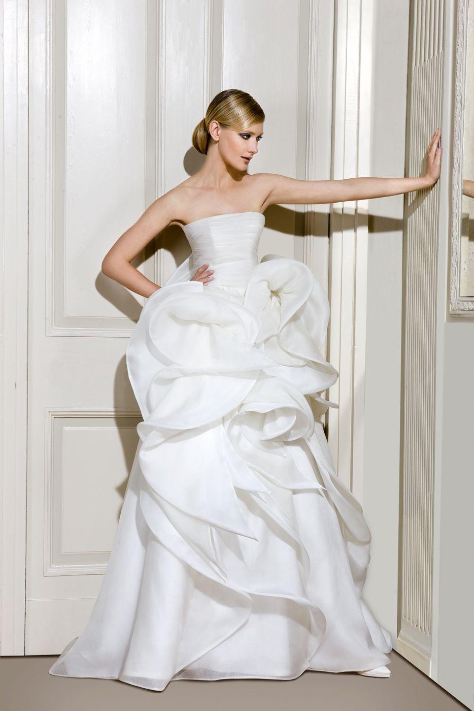 #AntonioRiva #weddingdress #Whitedress #Wedding #Nozze #matrimonio #abitodasposa #MadeInItaly #sposa