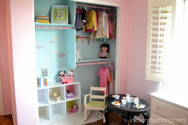 I love this little girl's room- including this FUN closet!