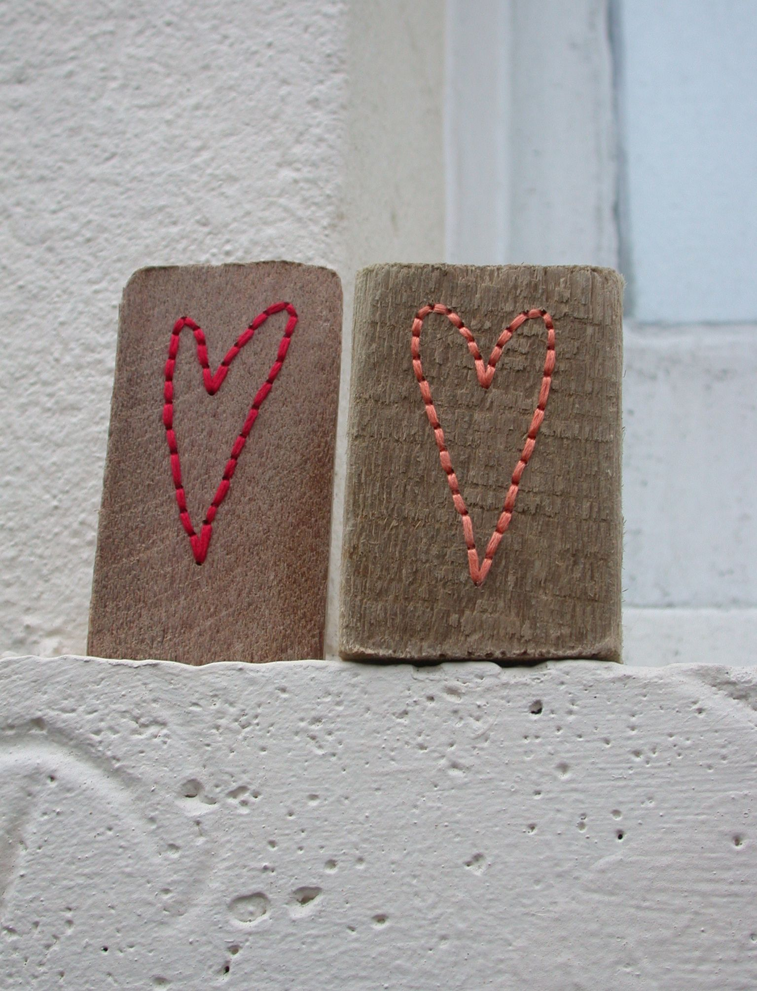 Driftwood Hearts Duo Red And Coral Brighton Driftwood And Anchor Embroidery Thread Www Ellarobinson Com Anchor Embroidery Crafts Embroidery Thread