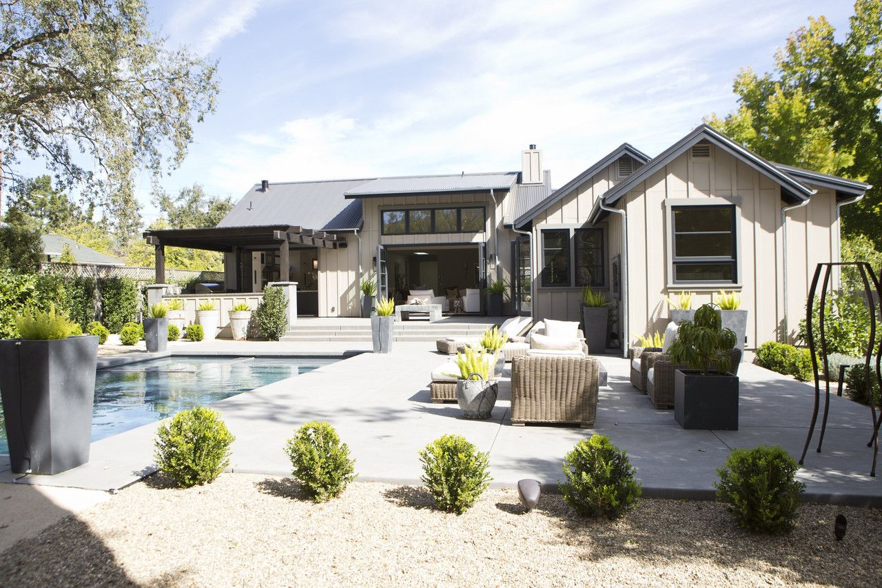Modern Farmhouses California Wine Country S New Must Have Homes Modern Farmhouse Exterior Modern Farmhouse Farmhouse Landscaping