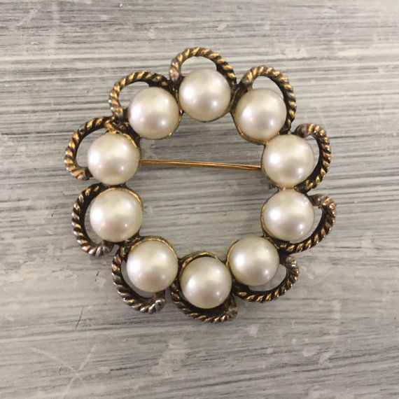 Pearls & Textured Gold Circle Brooch, Round Gold Tone