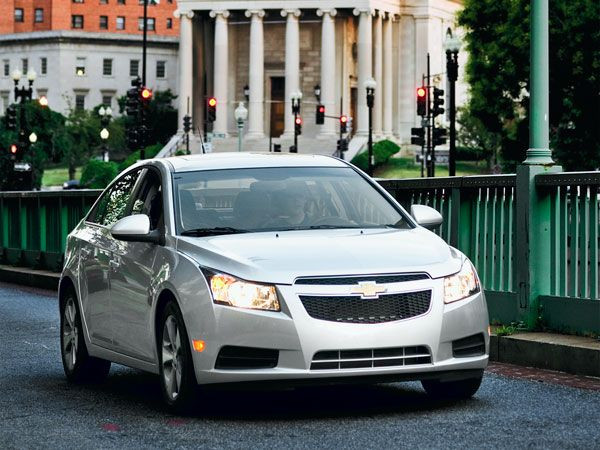 6 Car Compact Sedan Showdown Chevy Cruze Cruze Car