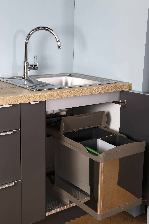 cuisine quip e compact trendy maison. Black Bedroom Furniture Sets. Home Design Ideas
