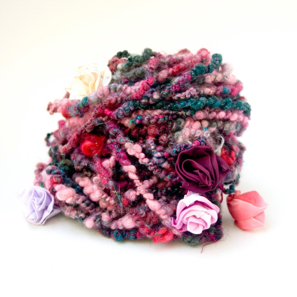 Handspun Art Yarn Enchanted Flowers von HelloPurl auf Etsy - great colors, very…