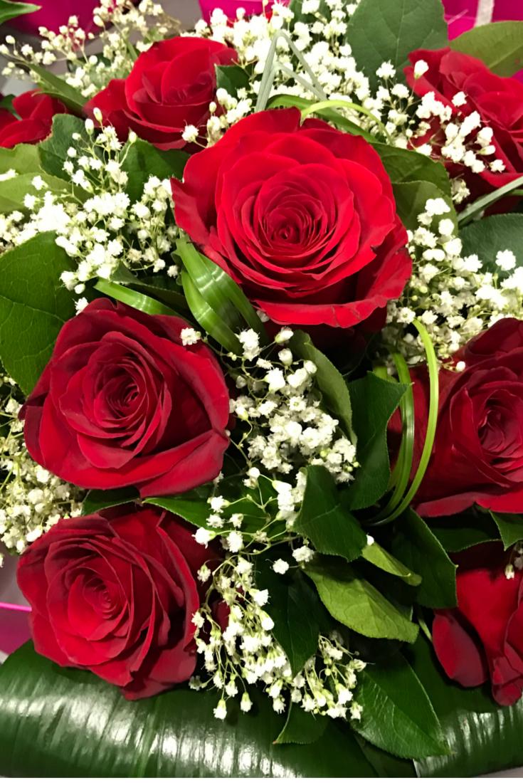 Mazzo Di Rose Rosse Buon Compleanno