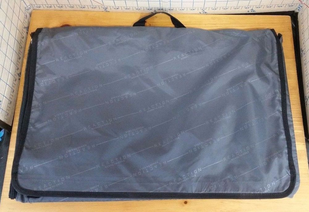Kenneth Cole Reaction Hanging Garment Bag Fold Velcro Grey  #KennethColeReaction #SuitGarmentBag