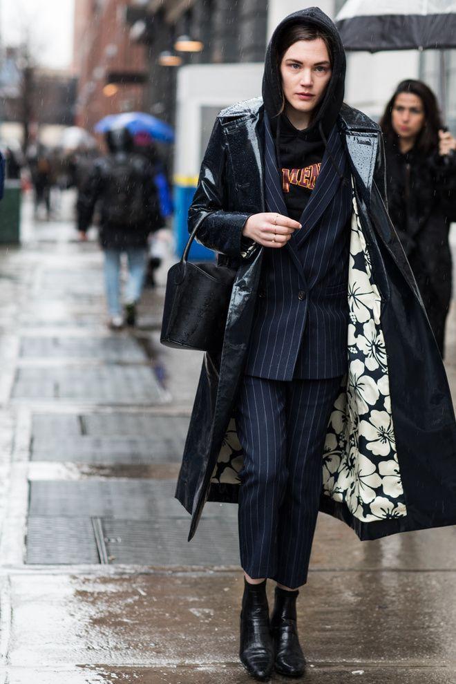 Street style à la Fashion Week automne-hiver 2017-2018 de - teacher resume examples 2018