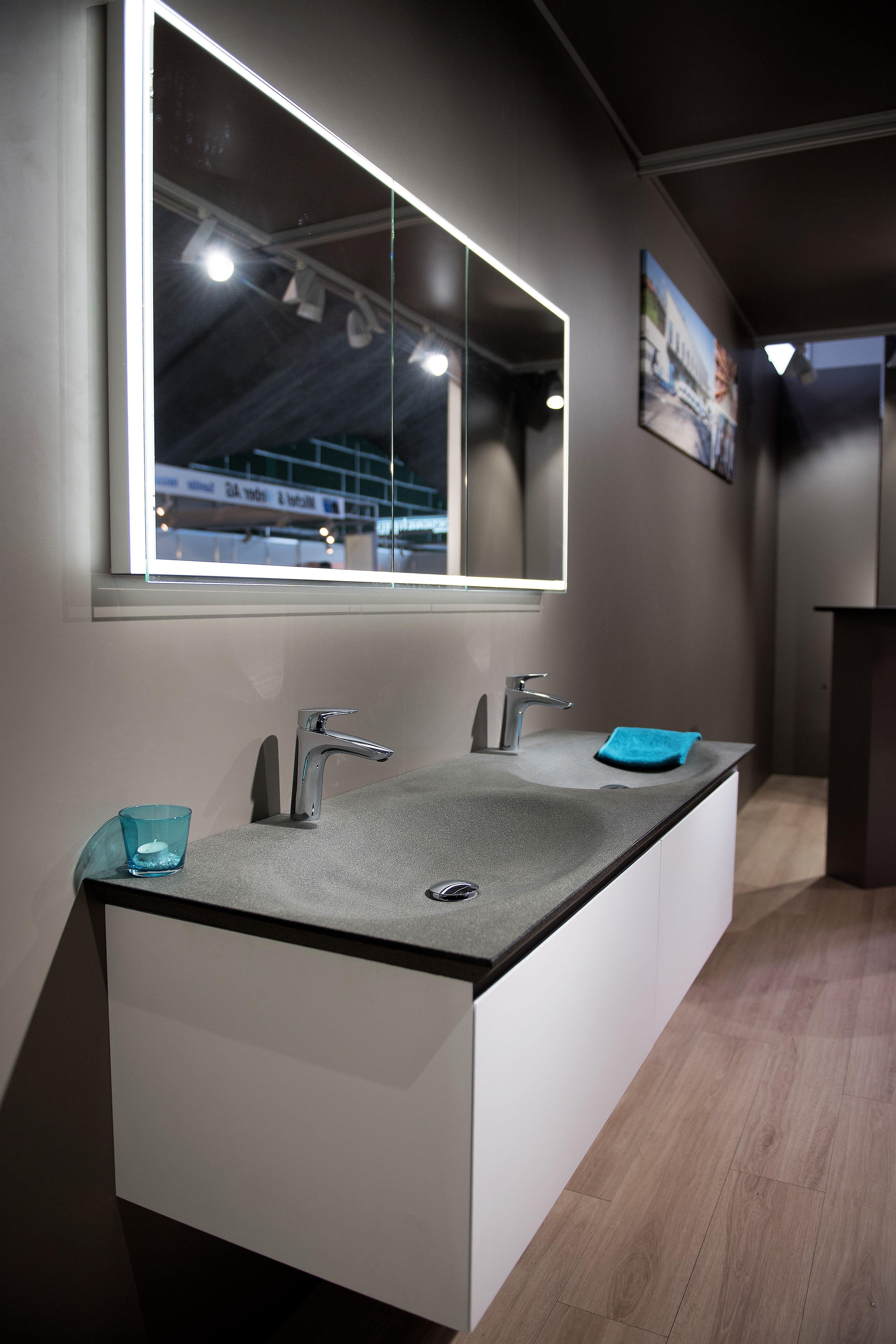 Doppelwaschtisch Aus Granit Massanfertigungen Sind Fur Jedes Badezimmer Moglich Badezimmer Baden Bad