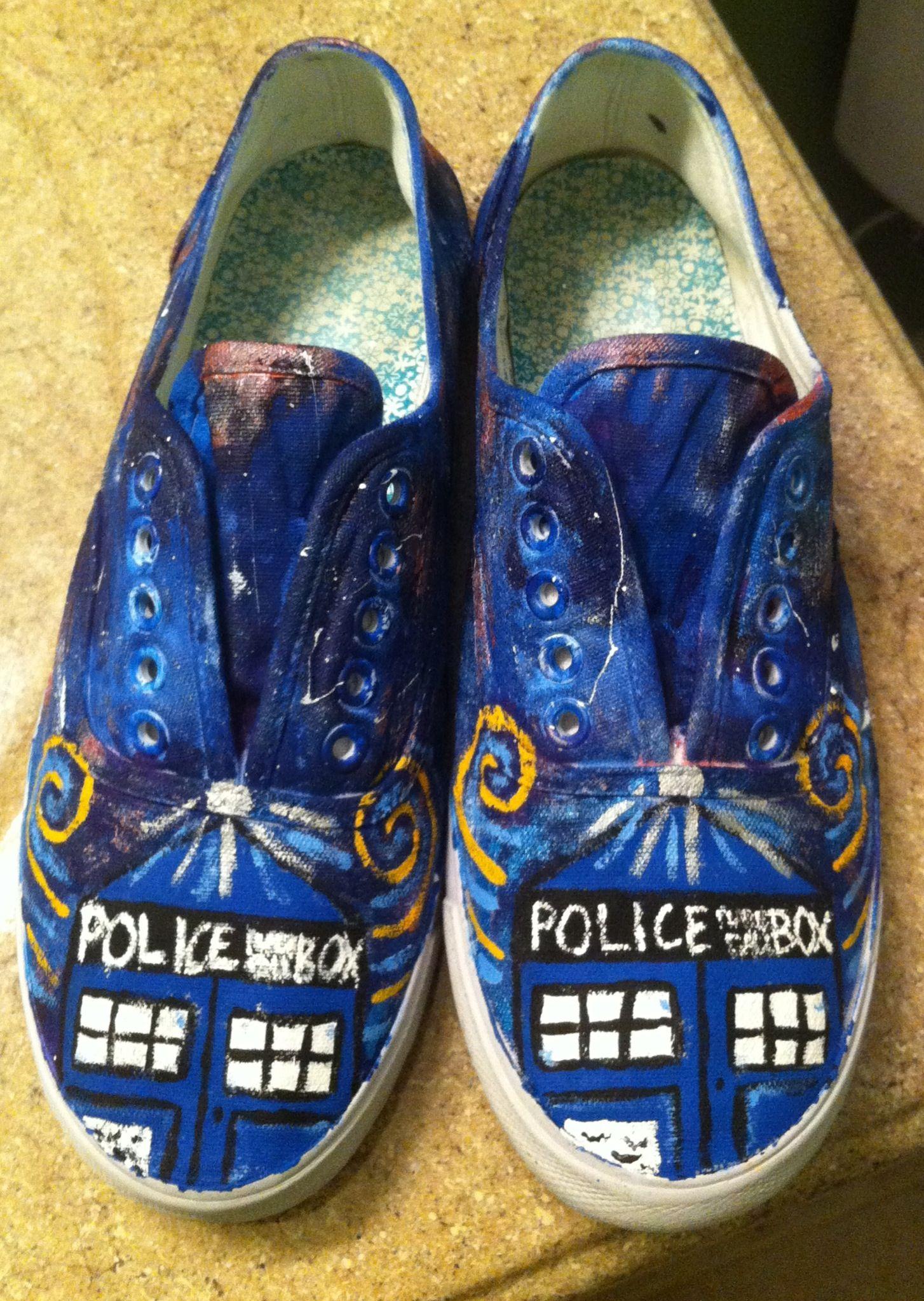 b791f4d565b0 My own TARDIS shoes  )