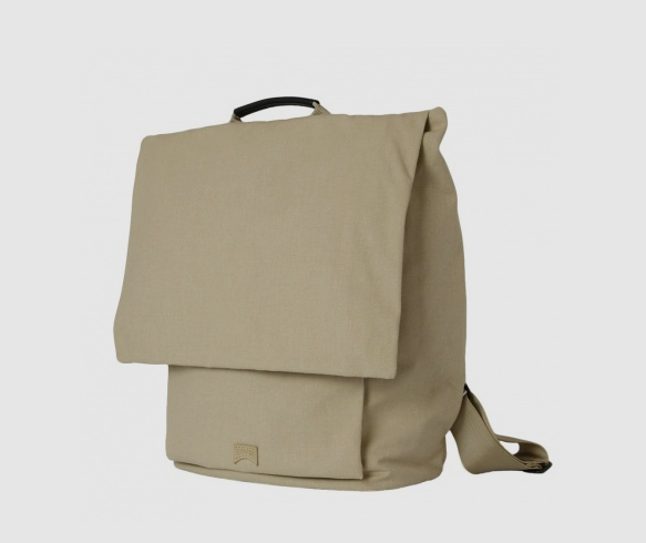 Bag of Camper  http://www.camper.com/en_JP/women/bags-accessories/bags/camper-bags-B7008-086