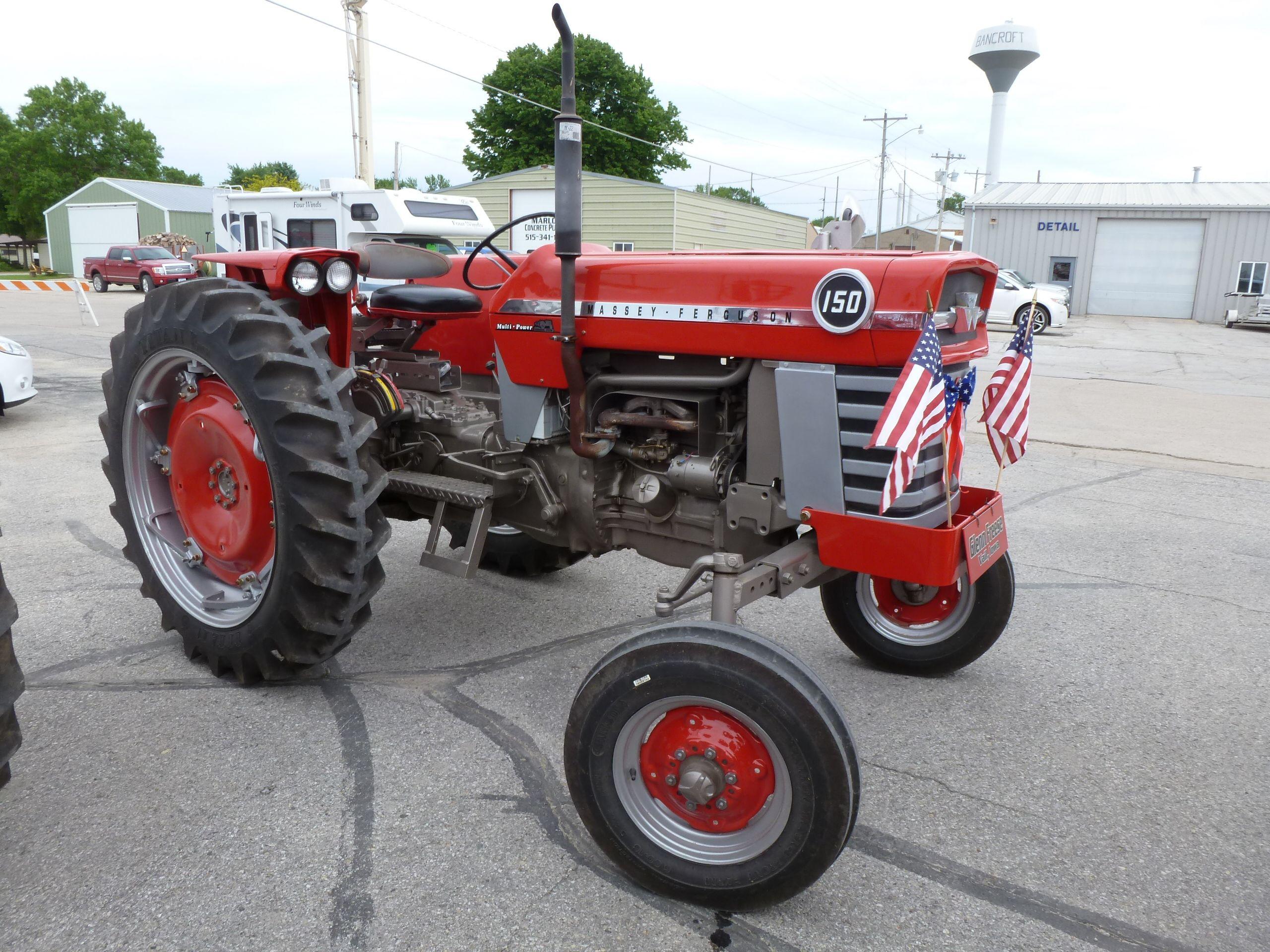 Massey Ferguson 150 : Massey ferguson kicd antique tractor ride