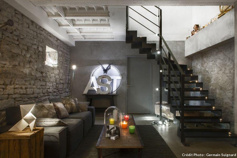 une ancienne ferme restaur e en loft industriel escaliers pinterest loft industriel loft. Black Bedroom Furniture Sets. Home Design Ideas