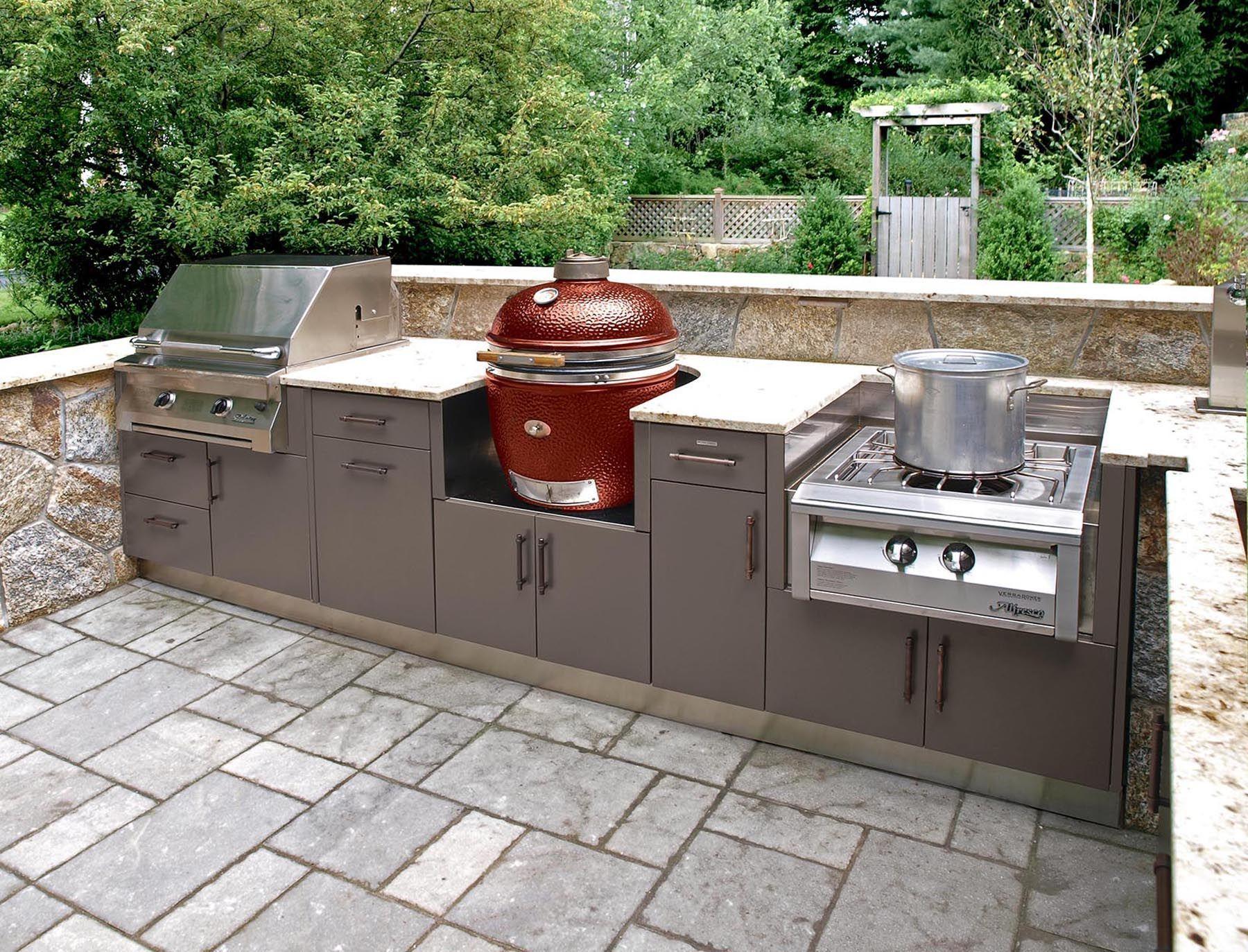 Brown Jordan | Outdoor Kitchen, Versailles/ Hampton cabinet ...