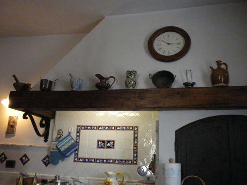 Dettaglio cappa cucina con trave in legno di castagno   Cucine per ...