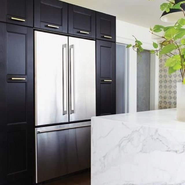 frigo encastr et armoire ikea cuisine en 2018 pinterest maison armoire ikea et frigo. Black Bedroom Furniture Sets. Home Design Ideas
