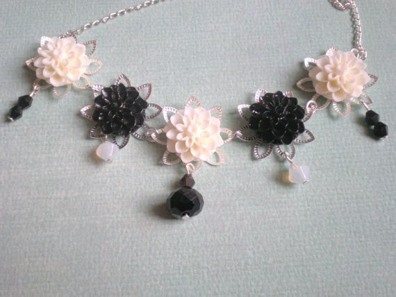 Black White Necklace Flower Beads Resin by snowflowerpie on Etsy