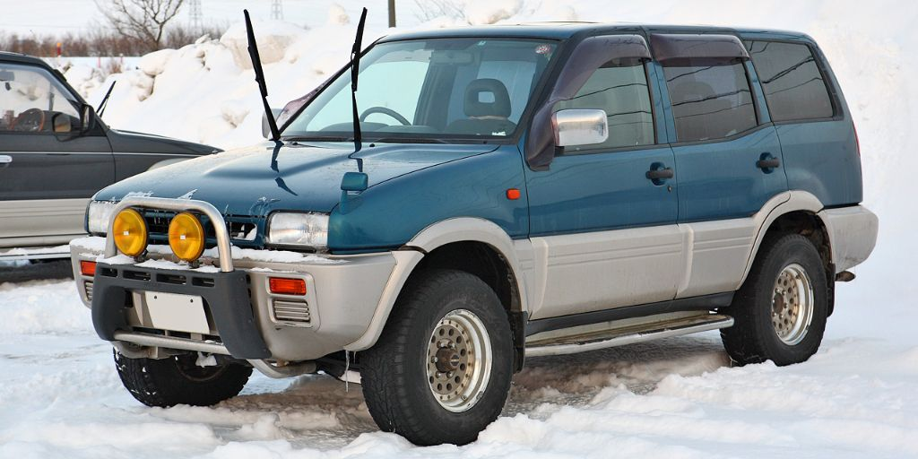 Nissan Pathfinder (1998 2004) Review: Specs, Price U0026 Pictures   Http