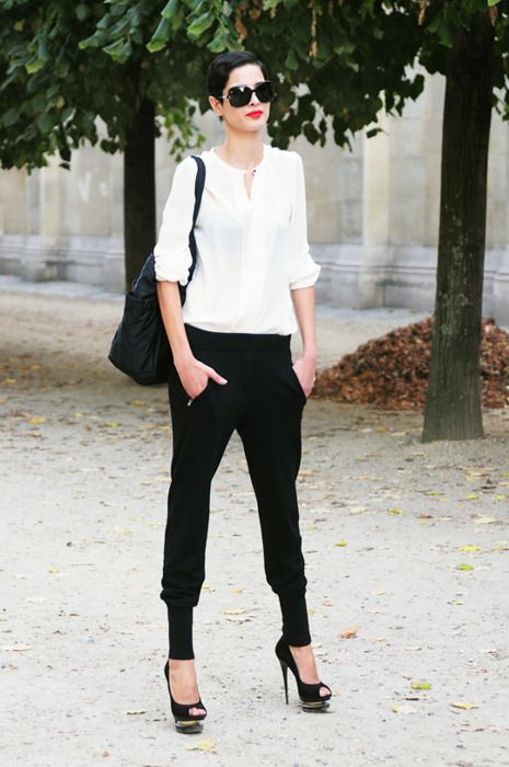 If I could I'd wear this everyday. Simple and chic.