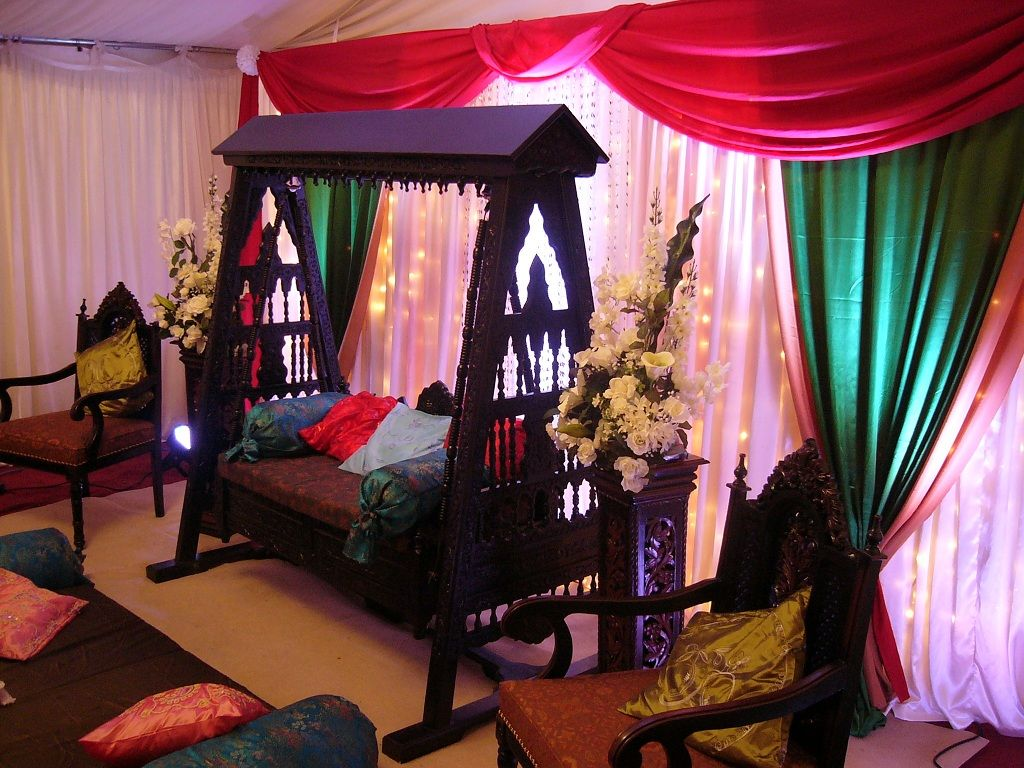 Mehndi Stage Hire : Asian mehndi stage wedding decoration hire in london