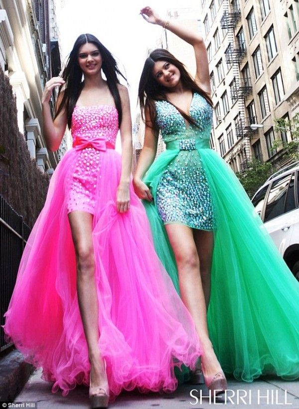 Kylie Jenner and Kendall Jenner Pose for Sherri Hill in New Gown ...