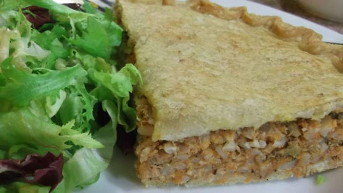 Pumpkin and rice pie | Healthy and hearty, this traditional Maltese pie is a delight to cook. Author of 11 Maltese cookbooks, Karmen Tedesco shares her recipe for this rustic and hearty pie. You can easily adapt the recipe to make it vegetarian by simpy omitting the anchovies and tuna.