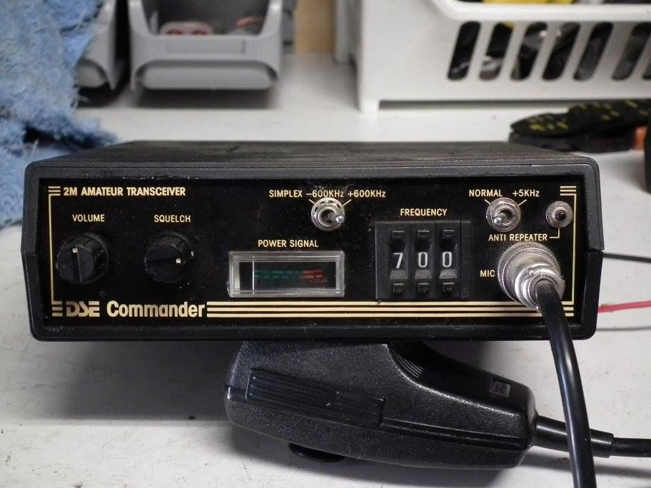 2 Meter Emergency Frequency : The dick smith commander mhz m was an australian