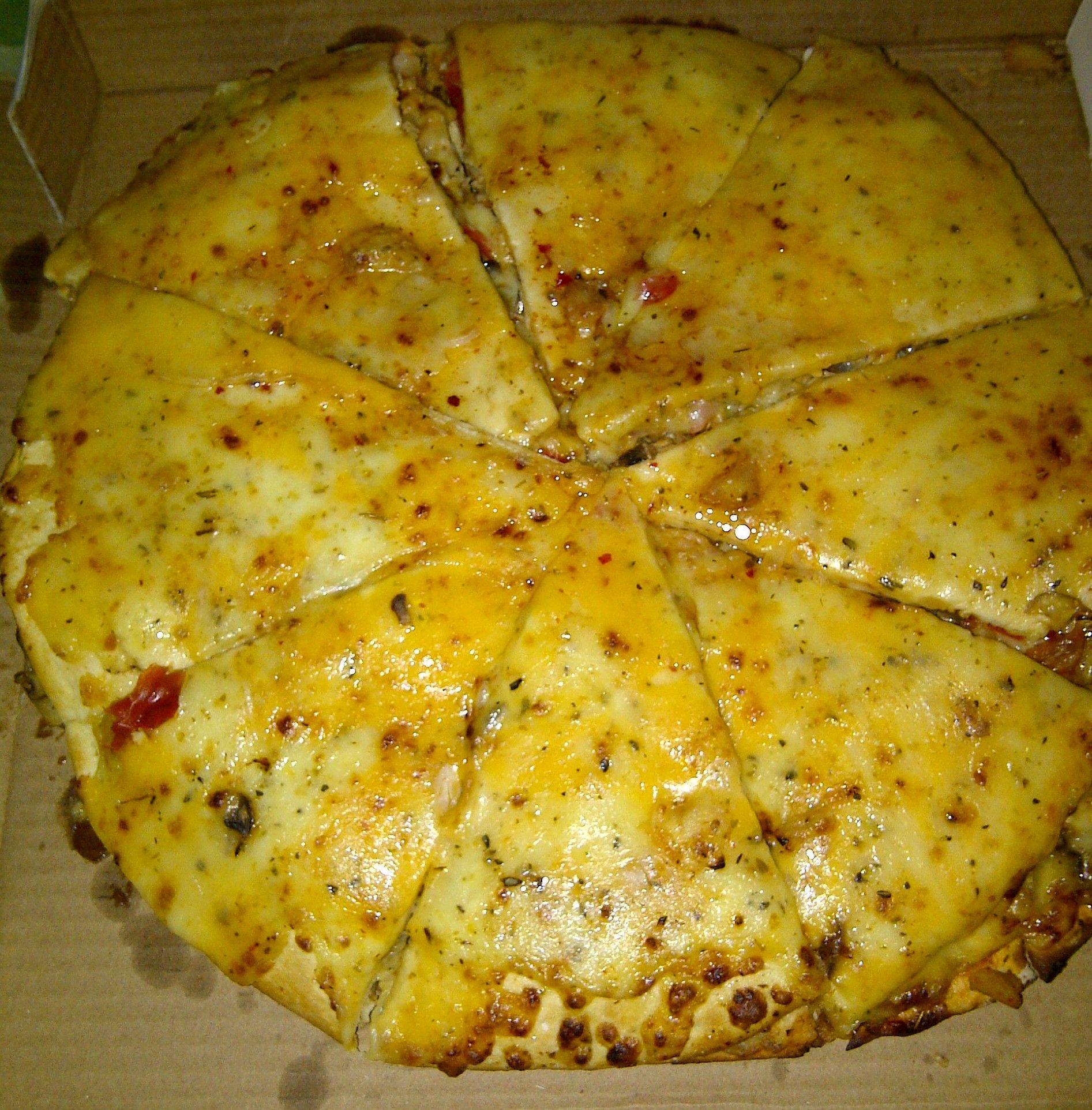 Pizza sauce cream cheese