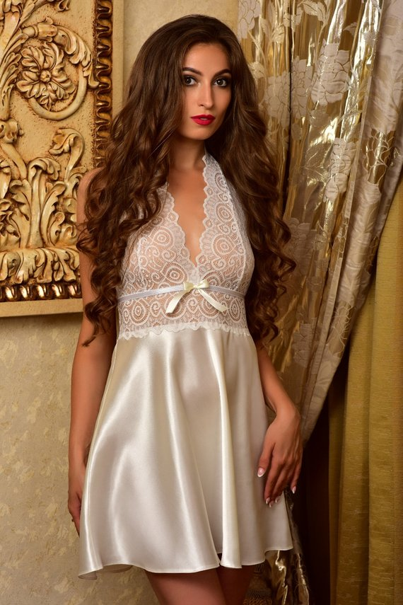 4061e05323ea Bridal nightgown and robe set Wedding robes Lace peignoir Bridal ...